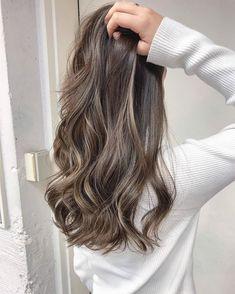 Super Ideas For Hair Color Honey Golden Brown Hair Balayage, Brown Blonde Hair, Hair Color Balayage, Hair Streaks, Hair Highlights, Hair Color And Cut, Green Hair, Gorgeous Hair, Hair Looks