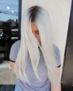 Smoked out shadow roots and pure platinum? Gotta be #Wellaplex. Order yours at mywellastore.com. @hairby_kimberlyy #WellaHair #WellaLife #WellaEducation #StylistSpotlight #Blonde #BlondeHair #Platinum #ShadowRoot