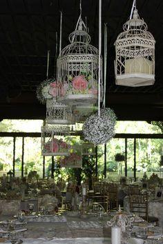 Jaula ivory decorada para un baby shower por nuestros - Decoraciones para bodas sencillas ...