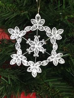 Quilled Snowflake Ornament/Suncatcher by joanscrafts on Etsy