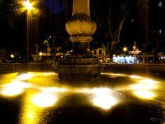 Largas exposiciones, paciencia y mucha luz permiten a la fotografía nocturna dar mucho lucimiento a la imagen.