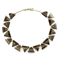 Kette aus Dreieckselementen in Braun mit Goldtextur-Einschluss * Necklace Brown Acrylic with Goldtexture inside * www.pyramonte.de