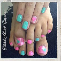 Matching hands and toes #geltoes #gelmani #nailart #cutenails #glitterednailsbycheyenne
