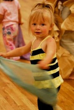 Daily Dance Parties. Activities exploring (Size) Big and Small for young children.