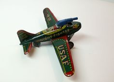 ANTIQUE MADE IN JAPAN TIN TOY PLANE USAF NIGHT FIGHTER WITH METAL GUN * RARE *