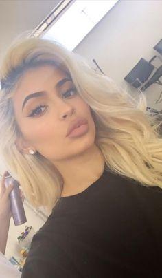 Make-up Kylie Jenner Natürliche Kim Kardashian 47 Ideen Für 2019 - New Ideas Robert Kardashian, Kourtney Kardashian, Kardashian Kollection, Kardashian Jenner, Kardashian Workout, Kardashian Style, Kris Jenner, Kylie Jenner Mode, Looks Kylie Jenner