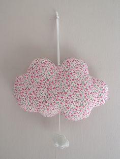 Chambre b b fille on pinterest liberty baby bedroom - Suspension chambre bebe fille ...