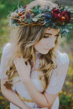 Autumn Inspired Bohemian Styled Bridal Shoot // Flagstaff, Arizona » Phoenix Arizona Lifestyle Wedding Photography // Sarah Waggoner Photogr...