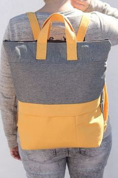Miss Pizpiretta: DIY Tutorial Rucksack mit Tasche und Griffen. Diy Rucksack, Tote Backpack, Messenger Bag, Backpack Tutorial, Backpack Pattern, Mochila Tutorial, Modern Backpack, Diy Bags Tutorial, Diy Sac