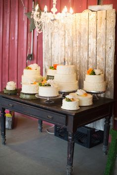wedding cakes by Keys Bakery http://www.weddingchicks.com/2013/09/05/hope-glen-farm/