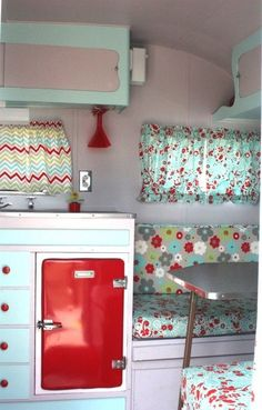 Vintage Camper, lots of pretty fabric!