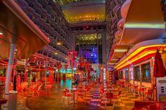 Oasis of the Seas Boardwalk.