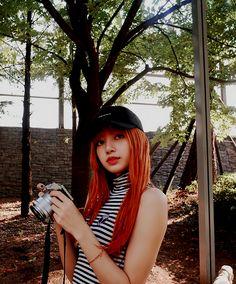 un dorito 🍒 Kpop Girl Groups, Korean Girl Groups, Kpop Girls, Jennie Blackpink, Blackpink Lisa, Yg Entertainment, Lee Hi, Rapper, Lisa Black Pink