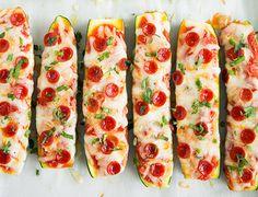 Zucchini Pizza Boats – these are so delicious! Only take about 15 minutes prep! Zucchini Pizza Boats – das sind so lecker ! Paleo Zucchini Recipes, Pizza Recipes, Diet Recipes, Cooking Recipes, Healthy Recipes, Microwave Recipes, Avocado Recipes, Cooking Time, Vegetarian Recipes