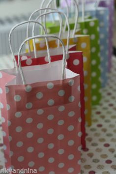 Twist Handle fancy POLKA DOT Paper Bags flat bottom party favour treat Gift bags, £6.00 | eBay
