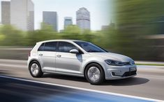Download wallpapers Volkswagen e-Golf, 2018, exterior, 4k, front view, electric car, new white e-Golf, VW, German cars, Volkswagen