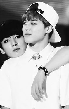 Holy cow. I only ship Jimin with myself but this pic is hitting me in my Jikook feels.