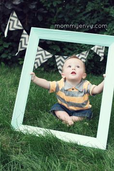 Cute ideas for a little boy first birthday photoshoot.