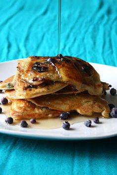 Gluten Free Pancakes with blueberry topping Raw Vegan Desserts, Raw Vegan Recipes, Healthy Diet Recipes, Vegan Dessert Recipes, Best Gluten Free Recipes, Gf Recipes, Gluten Free Cooking, Foods With Gluten, Sans Gluten