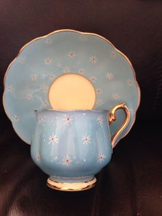Beautiful ~Royal Albert 1930's ~:)
