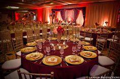 burgundy-and-gold-wedding-centerpieces_0.jpg (600×399)