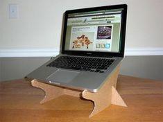 Base para computador em papelão