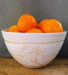 White-and-white-flower-ceramic-serving-bowl-1391182429