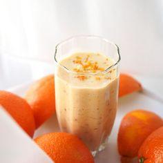cocktail with orange - koktajl z pomarańczą Healthy Smoothies, Yummy Drinks, Coffee Drinks, Liquor, Diet Recipes, Panna Cotta, Food And Drink, Pudding, Sweets