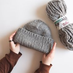 Helppo muhkea pipo - Kaupunkilanka Mini Milk, Easy Knitting Patterns, Crochet Accessories, Handicraft, Diy Clothes, Knitted Hats, Knit Crochet, Diy And Crafts, Winter Hats