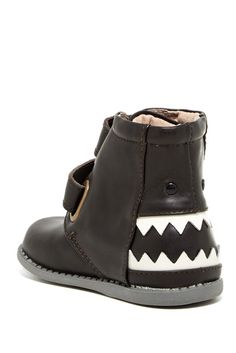 Hungry Boot for Toddler // Black and White Shoes. Sponsored by Nordstrom Rack.
