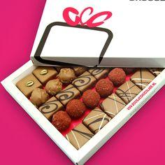 Bonbons & Truffels • Melk Middel | Een combinatie van echte melk chocoladeklassiekers: een bonbon & truffel van volle melk chocolade | doosjechocolade.nl