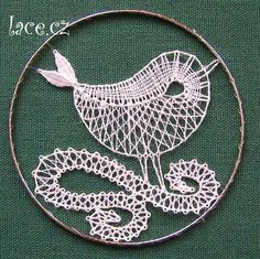 Bruges Lace, Bobbin Lace Patterns, Lacemaking, Lace Heart, Lace Jewelry, String Art, Lace Detail, Art For Kids, Tatting
