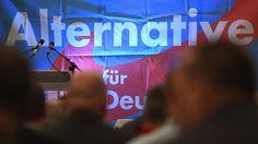 Bei der Landtagswahl in NRW ist es zu Fehlern bei der Auszählung gekommen. Alle Parteien waren betroffen, die AfD aber offenbar besonders häufig. Nun sollen alle Stimmbezirke unter die Lupe genommen werden.