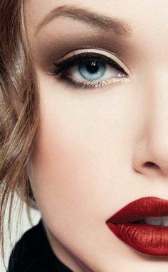 Perfect makeup for more check http://www.pinterest.com/perfectcircle/beauty-lifestyle-fashion-3/