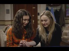 Girl Meets World - Riley moves to London? 3x20 - YouTube