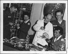 Jean Fasse and Army personnel in craft class, circa 1955 - The Betty H. Carter Women Veterans Historical Project - UNCG