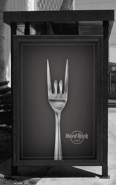 Hard Rock Cafe Billboard - fits two images into one, the 'horns' known in the Rock genre and the fork typical for a restaurant as it's an advertisement for Hard ROCK CAFÉ Bus Stop Advertising, Print Advertising, Creative Advertising, Print Ads, Guerrilla Advertising, Hard Rock, Rock Rock, Street Marketing, Guerilla Marketing