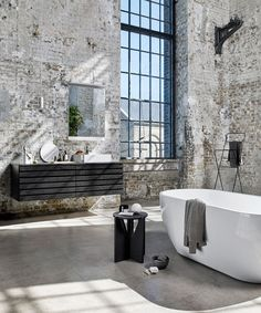 29 ideas bathroom luxury bathtubs for 2019 Industrial Bathroom Design, Industrial Interior Design, Vintage Industrial Decor, Industrial Bedroom, Industrial Living, Industrial House, Industrial Interiors, Industrial Style, Home Interior Design