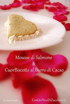 Antipasto di San Valentino: http://conunpocodizucchero.wordpress.com/2014/02/05/antipasto-di-san-valentino-mousse-al-salmone-e-cuorbiscotto/