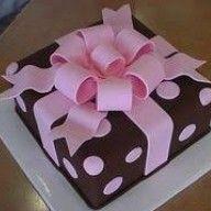 Trendy birthday cupcakes for guys fondant Bow Cakes, Fondant Cakes, Cupcake Cakes, Fondant Figures, Present Cake, Gift Cake, Birthday Cupcakes For Women, Cake Birthday, Birthday Gifts