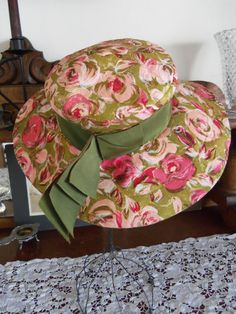 Reserved for Deb- Vintage Pink Floral Lilly Dache Hat-Dachettes Caroline Reboux, Hats For Women, Ladies Hats, 1950s Hats, 1960s Fashion, Women's Fashion, Vintage Ladies, Vintage Hats, Vintage Accessories