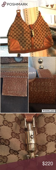 Authentic GUCCI bag! Gorgeous vintage authentic Gucci.  Please note that the sides are damaged and the hardware on all the photos.  This bag is worn and not in perfect condition.  However it's a priced well for the shape it's in.   See more photos on other listing ❌no trades ❌ Gucci Bags Shoulder Bags