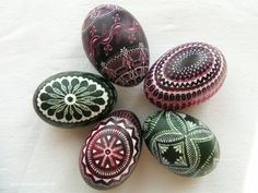 Carved Easter eggs-margutis (Lithuania)