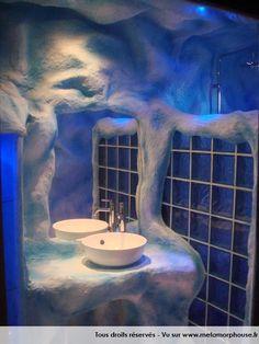 Photos d coration de salle de bain moderne design contemporain brun chocolat bleu turquoise for Idee deco salle de bain bleu et blanc
