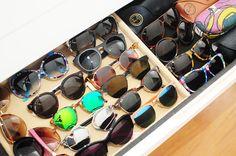 O meu closet na revista Glamour com mala Louis Vuitton vestido Alfreda saia Patricia Viera e poltrona Missoni óculos Illesteva modelo redondo e espelhado
