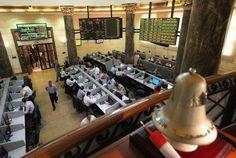 اسهم مصر تفتح على تراجع متأثرة بمبيعات اجنبية - تراجعت البورصة المصرية في التعاملات المبكرة اليوم الثلاثاء متأثرة بمبيعات المستثمرين الاجانب بينما غلب الشراء على حركة المحليين. وعلى صعيد حركة المؤشرات القياسية فقد مؤشر السوق الرئيسي إيجي اكس 30  الذي يضم اكبر 30 شركة مقيدة  1.02 % ليسجل 12870.77 نقطة. وخسر مؤشر ايجي اكس 50 متساوي الاوزان النسبية 1.5 % مسجلا 1940.81 نقطة. وتراجع مؤشر إيجي اكس 20 محدد الاوزان النسبية 1.81 %ليبلغ 12288.35 نقطة. وتراجع مؤشر الأسهم الصغيرة والمتوسطة إيجي اكس 70…