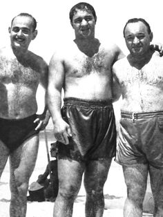 this photo taken in the mid Sao Paolo Brazil….Marciano was born in Brockton Massachusetts…and was the only heavyweight boxing champion to retire undefeated…inspiration for the. Boxing Images, Professional Boxing, Heavyweight Boxing, Boxing History, Boxing Fight, Boxing Champions, Pin Up, Babe Ruth, Mike Tyson
