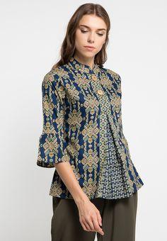 Blouse Batik Tenun_0 Model Dress Batik, Batik Dress, Batik Fashion, Fashion Sewing, Blouse Batik Modern, Big Size Fashion, Batik Kebaya, Blouse Models, Beautiful Blouses