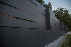 XCEL Ogrodzenia | Flow | Nowoczesne Ogrodzenia | Kraków Front Wall Design, House Fence Design, Modern Fence Design, Main Gate Design, Driveway Design, Door Gate Design, Garage Door Design, Modern House Design, Garden Privacy Screen