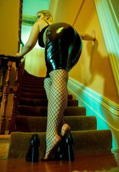 Stefania Ferrario   Стефания Феррарио   VK Australian Models, Black Milk, Loving Your Body, Fishnet, Leather Pants, Bodycon Dress, Drop, Instagram, Link